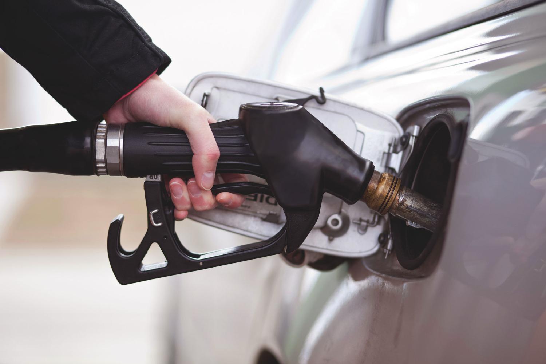 Что делать если в машине пролили бензин