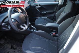 Купить Peugeot 208, 2013 года