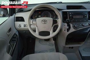 ������ Toyota Sienna, 2010 ����