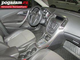 Купить Opel Astra, 2011 года