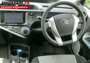 Купить Toyota Aqua, 2012 года