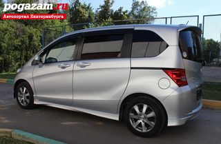 Купить Honda Freed, 2011 года