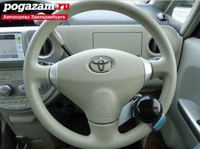 Купить Toyota Porte, 2012 года