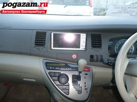 Купить Toyota Isis, 2009 года
