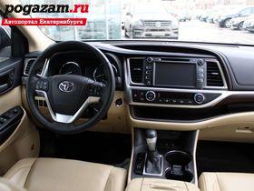 Купить Toyota Highlander, 2015 года