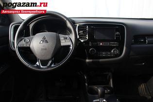Купить Mitsubishi Outlander, 2016 года