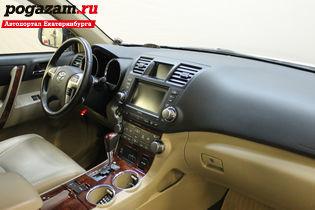 Купить Toyota Highlander, 2011 года