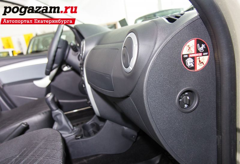 ������ ��� (Lada) Largus Cross 7 ���� (RS0Y5-52-XE7)  ���� � ���������� ��������